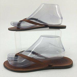 1937 Footwear Womens 8 Slip On Slim Strap Thong Ca